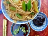 A lazy girl's supper: noodles with spicy spring onion sauce