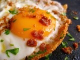 Eggs fried with breadcrumbs and herbs