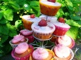 Jubilee celebration cupcakes:  a taste of summer with strawberries and cream