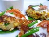 Sweetcorn fritters with crème fraîche, hot smoked salmon and chives