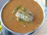 Vendakkai gravy /lady's finger puli kulambu (kuzhambu) with coconut