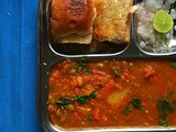 Pav Bhaji Recipe | Home Style Pav Bhaji | Bombay Street Food Special | Breakfast Recipes by Masterchefmom