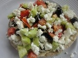 Healthy Mediterranean Pita Pizza