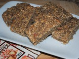 Homemade Energy Bars with Oats, Apple, and Chia Seeds