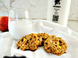 Naturally Sweetened Breakfast Cookies with Oats, Almond, and Peaches