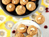 Whole Wheat Banana Cranberry Almond Muffins – Egg less Muffins