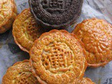 Traditional Baked Mooncake With Mochi Filling @ 传统广式月饼