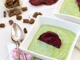 Healthy broccoli & spinach soup with beet chips
