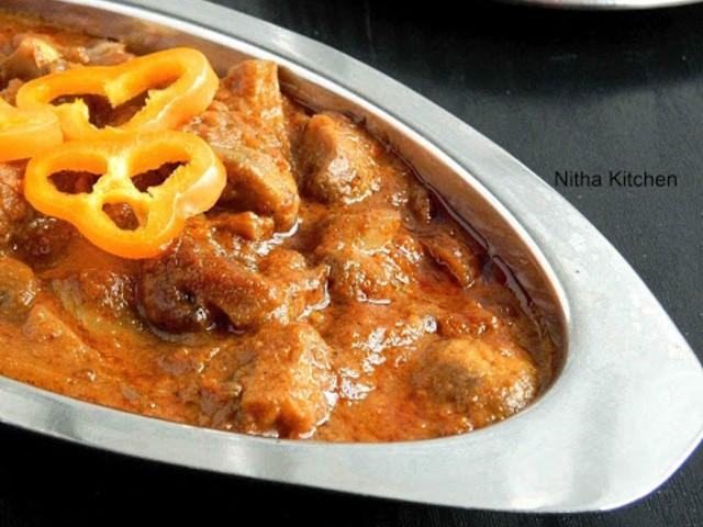mushroom-tikka-masala-spicy-kalan-kuzhambu-recipe.640x480.jpg