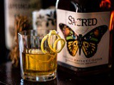 Sacred English Whisky Liqueur en de Smoky Nail