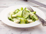 Refreshing zucchini salad with mozzarella