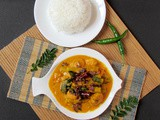 Prawns and Drumstick Curry/ Chemeen Muringakka Curry