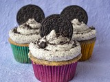 The Ultimate Cookies & Cream Cupcake
