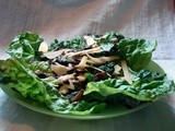 Salad with warm roasted mushrooms and smoked gouda
