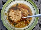 Sweet and spicy soup with red bean wontons