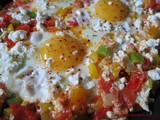 Eggs with vegetables and cheese; Peynirli, Sebzeli Yumurta