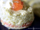 Budino ai cipollotti freschi con panna acida, blinis e salmone - Onions pudding with sour cream, blinis and salmon
