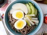 Naengmyeon (Korean Cold Noodles – 냉면 )