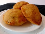 Mangalore Buns Recipe | Banana Buns | Sweet Banana Pooris