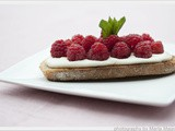 Toast with Cream Cheese & Berries