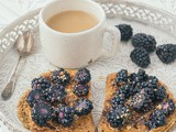Toasts with peanut butter, cocoa powder & blackberries
