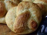 Football Party Food: Cheese Stuffed Pretzels & 4 More
