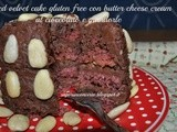 Red velvet cake gluten free con butter cheese cream al cioccolato e mandorle