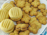 Eggless Custard Cookies / Yo-Yo Cookies / Custard Sandwich Cookies