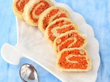 Gajar Ka Halwa Swiss Roll | Carrot Halwa Roulade | Carrot Pudding Mawa Roll