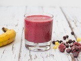 Red Berry Smoothie with Banana and Ginger