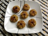 Kaayi Poovada / Flower Shaped Plantain Snack