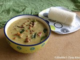 Thenga Aracha Kadala Curry / Black Chickpeas Curry with Coconut