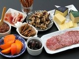 How to Put Together a Cheese and Meat Plate