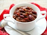 Shockingly Delicious Chili Mole with Red Beans and Raisins for #SundaySupper