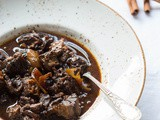 Slowcooker : Stew with prunes and cinnamon
