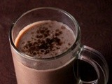 Divya's Guest post - Apple Chocolate Milkshake