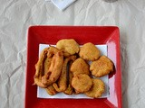 Aloo Capsicum Bajji / Potato Bell Pepper Fritters / Potato Bajji