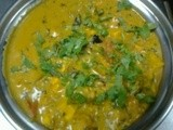 Chat pat paneer (cottage cheese in spicy and sour gravy)