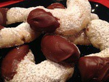 Diane's Chocolate Pecan Crescents