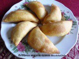 Delicious Sweet Khajurache Chandrakala Recipe in Marathi