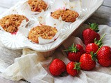 Strawberry Cheesecake Muffins with Crumble Topping
