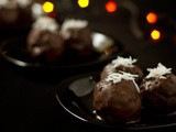 Chococo Laddu – Coconut laddu with a twist