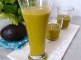 Smoothie with Avocado and broccoli carrot juice – vegan –