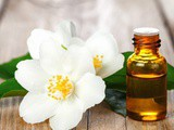 Top 5 Skin Health Benefits of Ayurvedic Jasmine Oil in India
