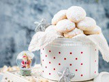 Eggless Cashew Snow Cookies – Guest Post by Jyothi