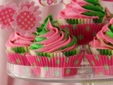 Swirly-Girly White Chocolate Cupcakes with Vanilla Bean-Cream Cheese Icing ............ for a Princess Party