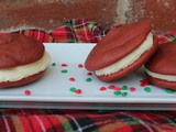 Red Velvet Whoopie Pies / #ChristmasCookieWeek