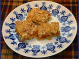 Peachy Oatmeal Bars
