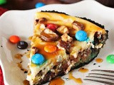Candy Bar Cheesecake Pie