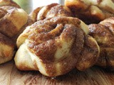 Easy peasy cinnamon crunch knots